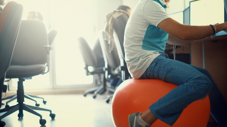Tips to help you prevent developing back pain at work