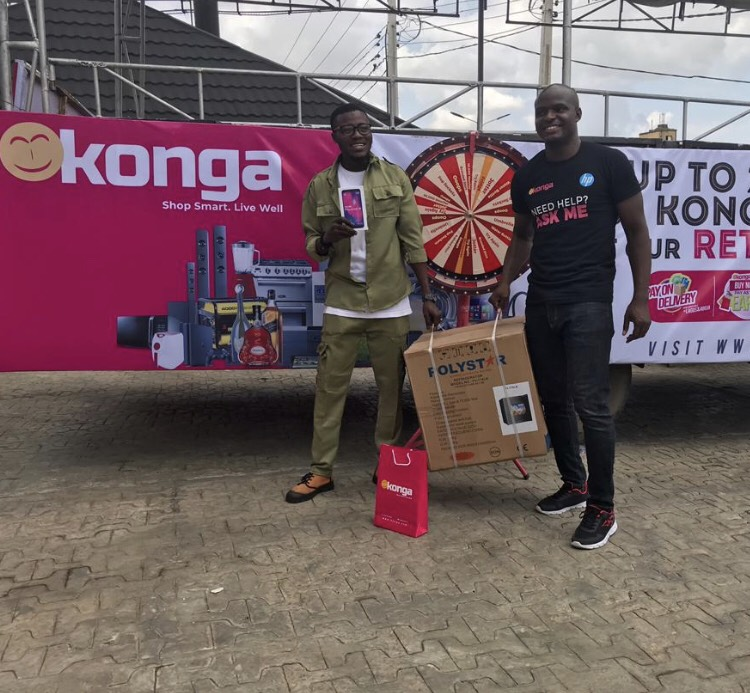 Lucky customer wins Freebie in Konga Ibadan Store Launch